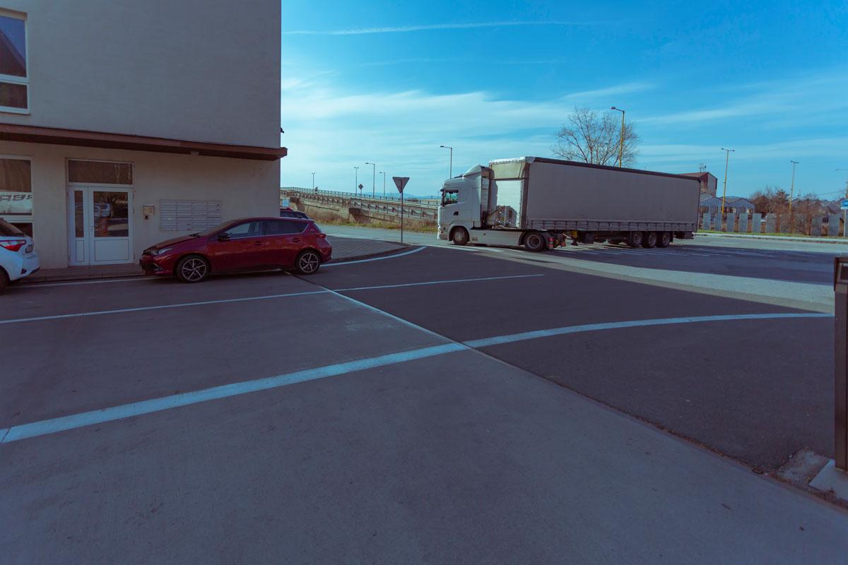 Dialničný príjazd do logistickeho centra